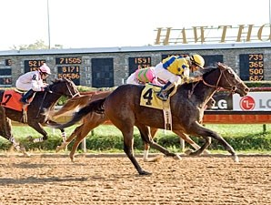 Sweet Luca wins the Sun Power Stakes.