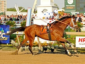 Big Brown dominates the 2008 Preakness under Kent Desormeaux.