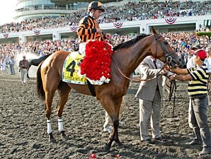 Little Mike wins the 2012 Arlington Million.