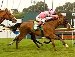 Fantastic Pick wins the 2010 Oak Tree Derby.