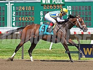 Majestic River wins the Molly Pitcher Stakes 7/27/2014.