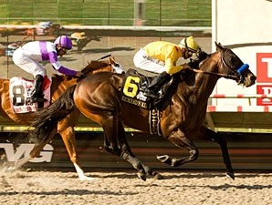 Richard's Kid wins the 2010 Pacific Classic.