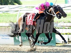Pants On Fire wins the 2011 Louisiana Derby.