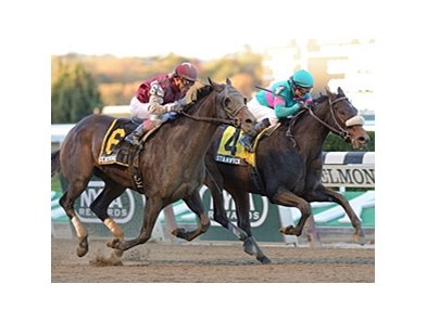 "Stanwyck holds off Centring to win the Turnback the Alarm Handicap.<br><a target=""blank"" href=""http://photos.bloodhorse.com/AtTheRaces-1/at-the-races-2013/27257665_QgCqdh#!i=2861182298&k=8GqMrwt"">Order This Photo</a>"