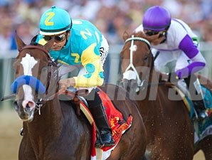 Bodemeister leads I'll Have Another during Preakness 137.