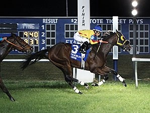 Heitai wins the 2014 Need For Speed Stakes.