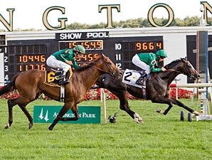 Debussy wins the 2010 Arlington Million.
