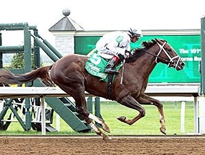Carpe Diem wins the 2014 Claiborne Breeders' Futurity.