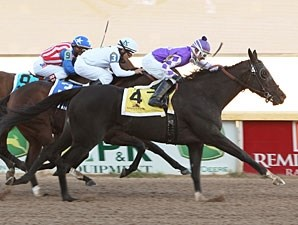 Tourmaline wins the 2011 Remington Park Oaks.