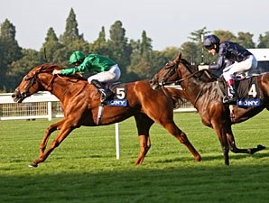 'Raven' Soars to Victory in QEII