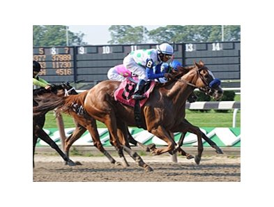 "Funny Moon gets up late in the CCA Oaks.<br><a target=""blank"" href=""http://www.bloodhorse.com/horse-racing/photo-store?ref=http%3A%2F%2Fpictopia.com%2Fperl%2Fgal%3Fprovider_id%3D368%26ptp_photo_id%3D8362414%26ref%3Dstory"">Order This Photo</a>"