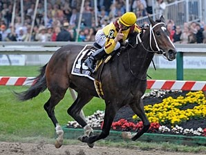 Rachel Alexandra wins the 2009 Preakness.