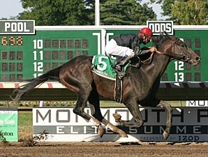 Gone Astray wins the 2010 Salvator Mile.