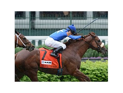 "Berlino Di Tiger holds off a fast-closing Chamberlain Bridge to win the Churchill Downs Turf Sprint.<br><a target=""blank"" href=""http://photos.bloodhorse.com/AtTheRaces-1/at-the-races-2013/27257665_QgCqdh#!i=2492789764&k=r6dgr7L"">Order This Photo</a>"