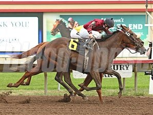 Appeal to the King wins the Northern Lights Futurity.