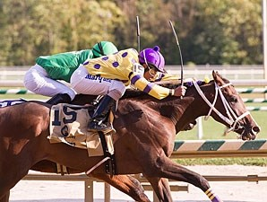 Keep Momma Happy wins the 2012 Maryland Million Nursery.