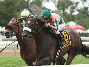 Somali Lemonade (right) wins the 2013 Dr. James Penny Memorial Handicap.