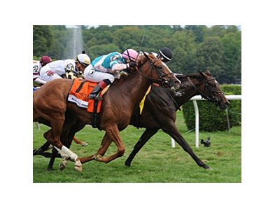 Caroline Thomas wins the Woodford Reserve Lake Placid Stakes.