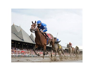 "Alpha leads them home in the Jim Dandy at Saratoga.<br><a target=""blank"" href=""http://photos.bloodhorse.com/AtTheRaces-1/at-the-races-2012/22274956_jFd5jM#!i=1992626446&k=JnHQsk7"">Order This Photo</a>"