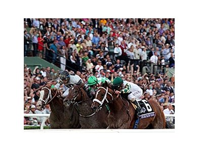 "<br><a target=""blank"" href=""http://photos.bloodhorse.com/BreedersCup/2013-Breeders-Cup/Classic/33150031_7ZnLk4#!i=2878697079&k=XTLsnvd"">Order This Photo</a>"