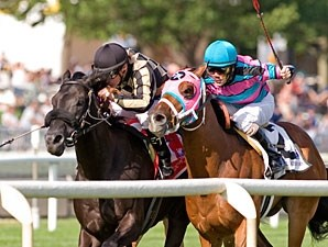 Yankee Injunuity wins the 2009 Arlington Sprint.