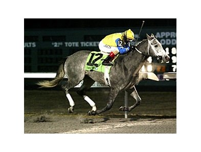 Twinspired takes the WEBN Stakes at Turfway under Jozbin Santana.