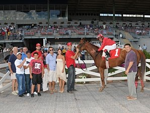 Fox Rules wins the 2012 New York Derby.