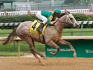 Exfactor wins the 2011 Bashford Manor.