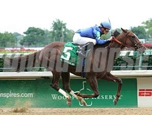 Graeme Six wins her first graded race May 26 in the Winning Colors (gr. III) at Churchill Downs.