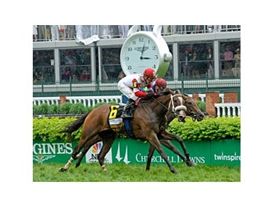 "Stephanie's Kitten fights off Hungry Island to win the Distaff Turf Mile.<br><a target=""blank"" href=""http://photos.bloodhorse.com/AtTheRaces-1/at-the-races-2013/27257665_QgCqdh#!i=2492914624&k=Bdzsq6L"">Order This Photo</a>"