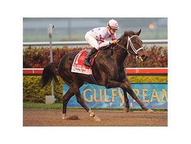 Amen Hallelujah pulls away to win the Davona Dale.