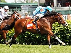 Get Stormy wins the Woodford Reserve Turf Classic.