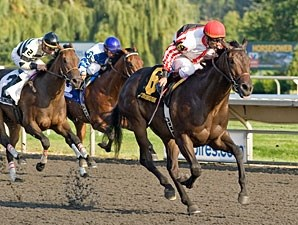 Shared Property wins the 2011 Arlington-Washington Futurity.