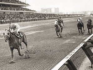 Secretariat wins the 1973 Bay Shore.