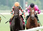 Kilmore Quay (right) in the Virginia Oaks (gr. IIIT)