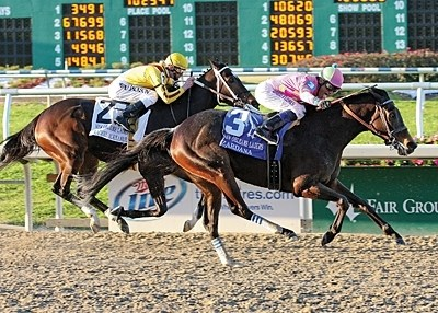 Zardana beats Rachel Alexandra in the New Orleans Ladies Stakes.