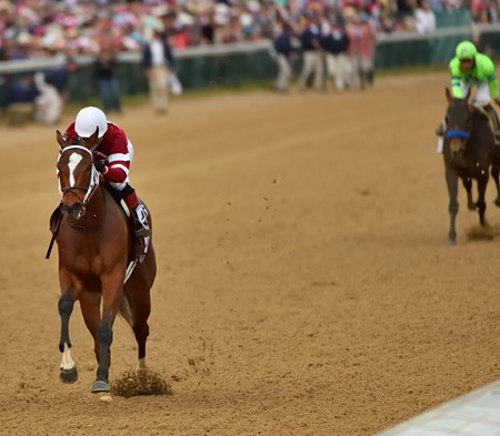 Untapable moving away from the field to win the Kentucky Oaks.