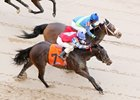 We Be Stormin battles down the stretch to win the Nodouble Breeders' Stakes at Oaklawn Park.