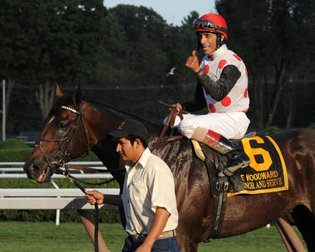 To Honor and Serve wins the Woodward Stakes (gr. 1)