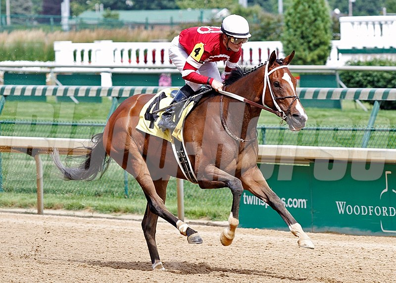 Speedinthruthecity zooms home to win the Roxelana Stakes at Churchill Downs.