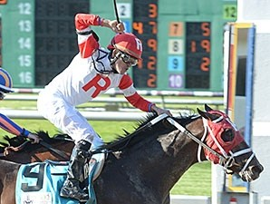 International Star wins the 2015 Louisiana Derby.