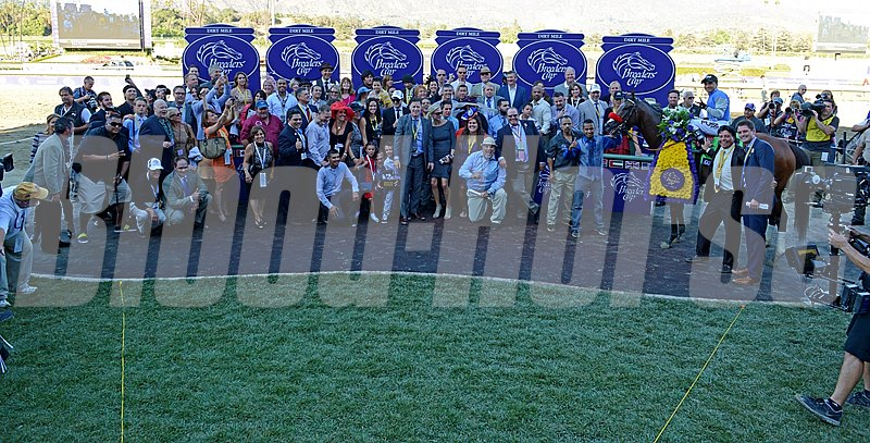 Breeders' Cup Dirt Mile Winner's Circle.