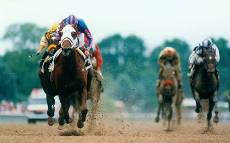 Thunder Gulch winning the Belmont Stakes