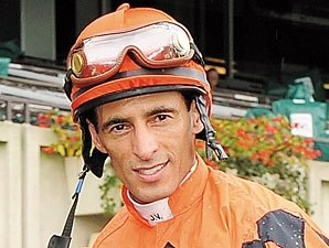 Jockey Velazquez Injured in Aqueduct Spill