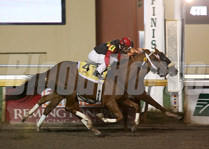 #1 Eye Love Jeanie (inside) wins the $120,850 Oklahoma Classics Distaff Sprint at Remmington Park.