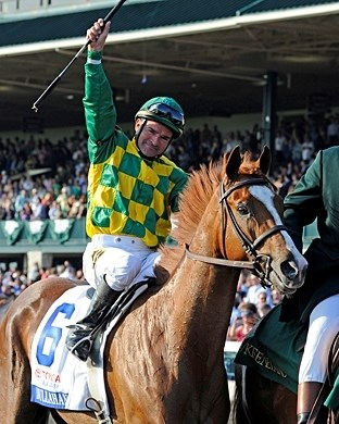 Kent Desormeaux celebrates his Blue Grass Stakes victory.