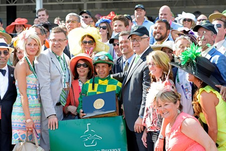 Caption:  Finnegans Wake with Victor Espinoza wins the Woodford Reserve (gr. IT).