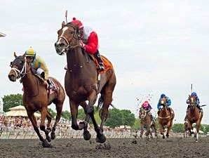 La Tia Leads All the Way in Arlington Oaks