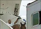 Bluegrass Cat arrived at Blue Grass Field Tuesday afternoon and was taken by van to WinStar Farm.