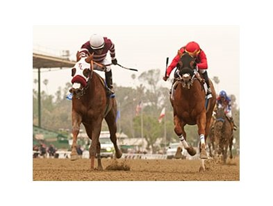 Willa B Awesome (left) catches Reneesgotzip late to win the Santa Anita Oaks.